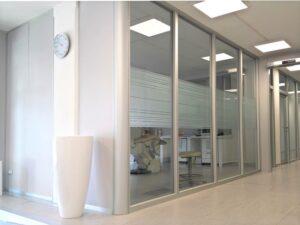 pareti mobili ufficio con lato a pannello cieco