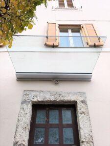 Pensiline in vetro: per arredare la tua facciata con stile